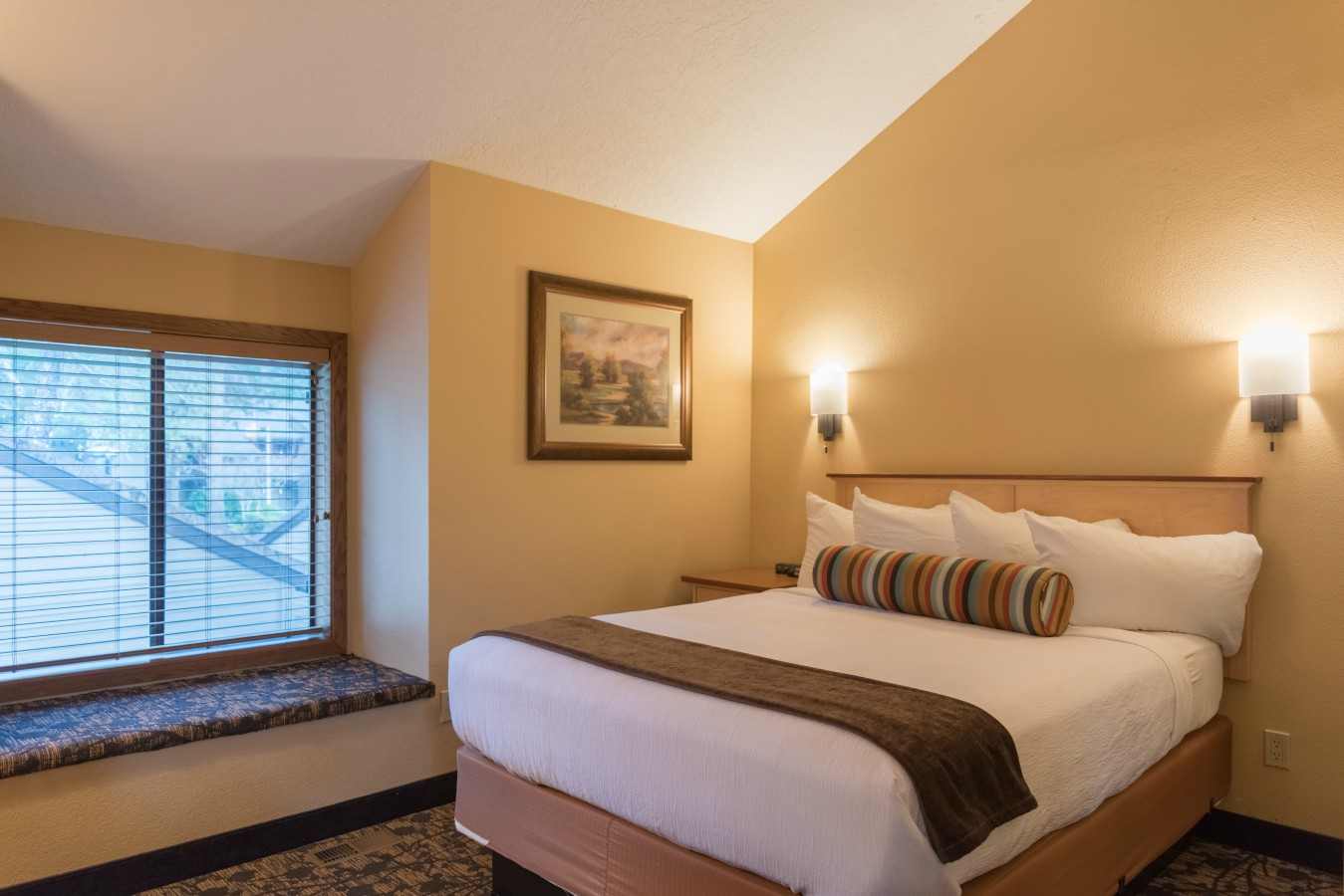 Accommodations reservations whispering woods resort for 2 bedroom with loft
