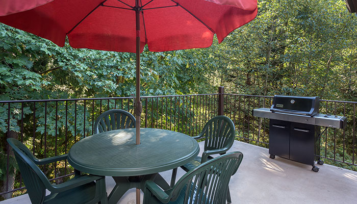 Accommodations reservations whispering woods for Whispering woods cabins